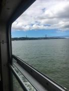 Ferry de Lisbonne, avec vue sur le Pont du 25 avril et le Cristo Rei